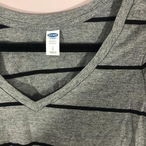Old Navy Gray Black Striped V-Neck Maternity Shirt